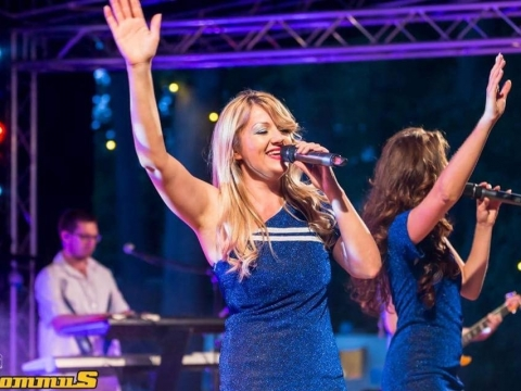 Abba-Fever-Live-@Kommus-Kasteelfestival-Groot